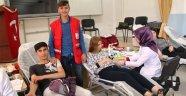 Öğrencilerden Kızılay'a Kan Bağışı