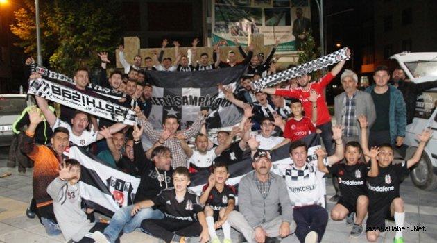 Taşova'da Beşiktaş Coşkusu