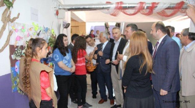 Taşova'da Bilim ve Sanat Sergisi Açıldı
