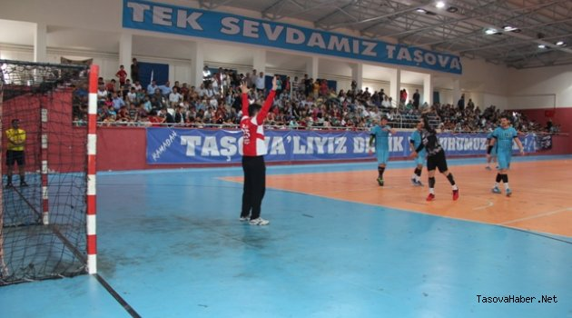 Taşova Hentbol 27-Beşiktaş Mogaz 33